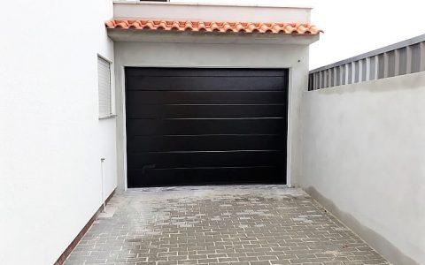 portão preto